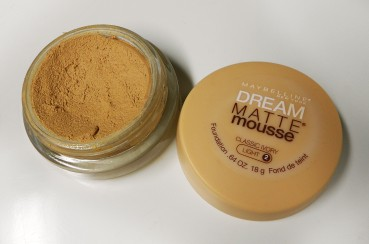 maybelline-dream-matte-mousse-foundation-2